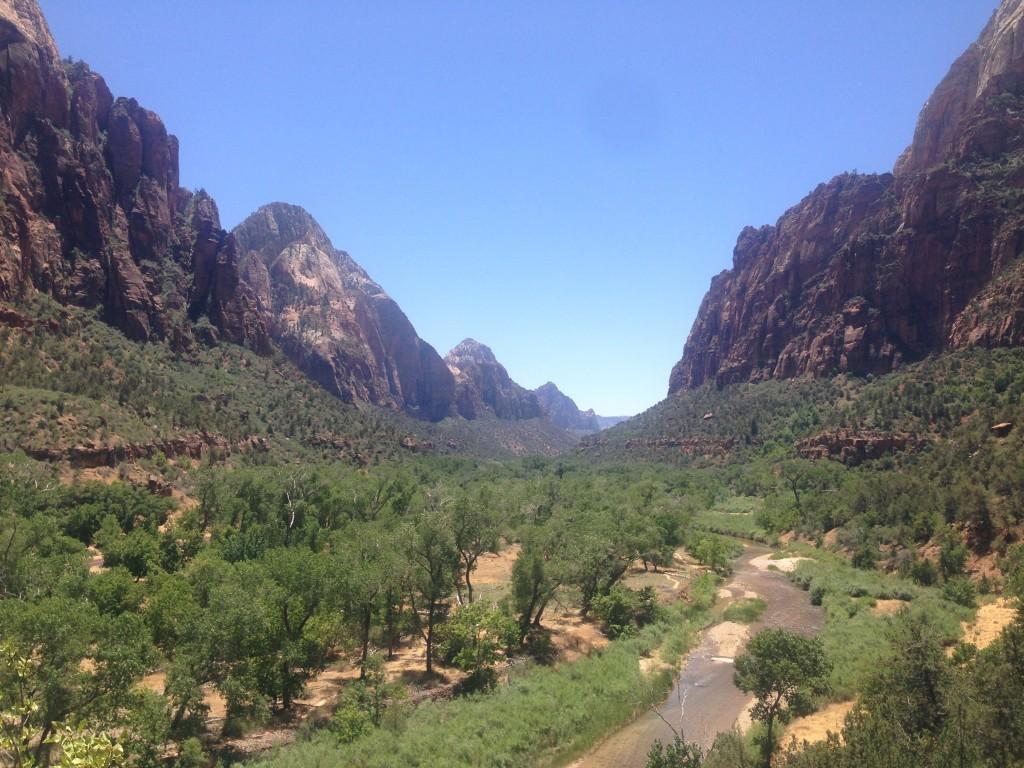 Magnifique point de vue sur la parc entre Middle Emerald Pool et Grotto