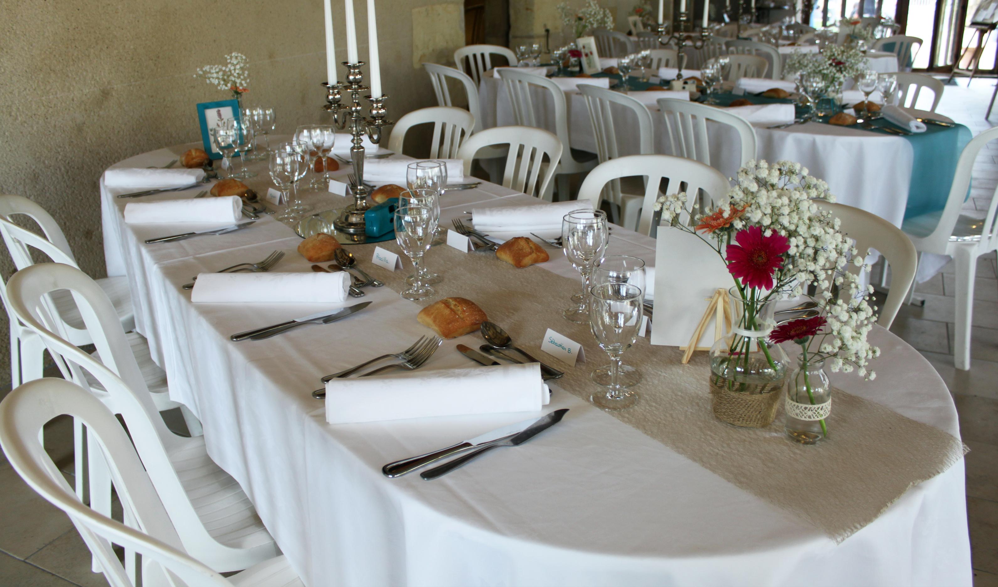 Mariage fleuri, les tables