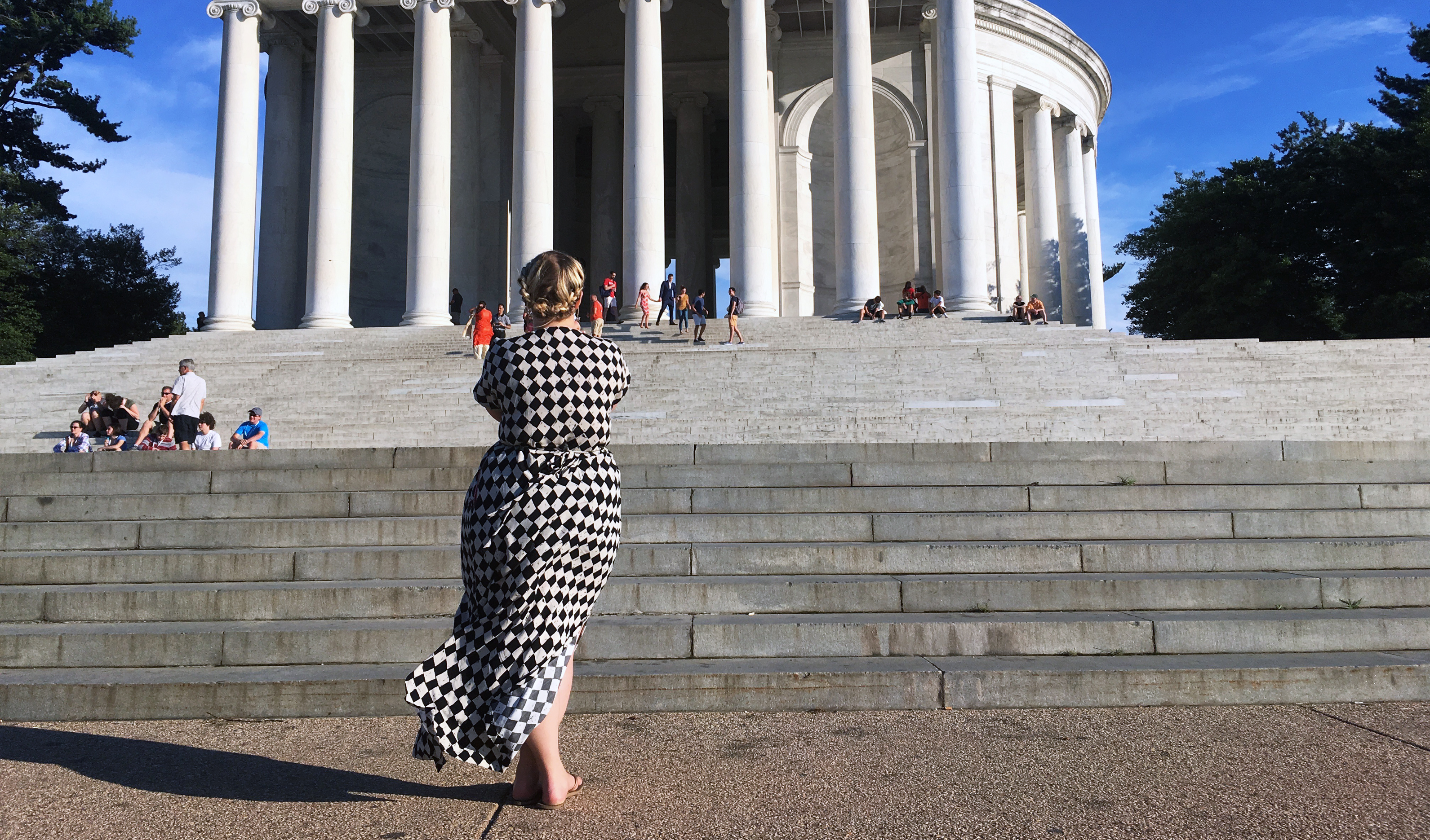 Charlie Caftan Au Jefferson Memorial