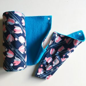 paper towel blue-pink flowers